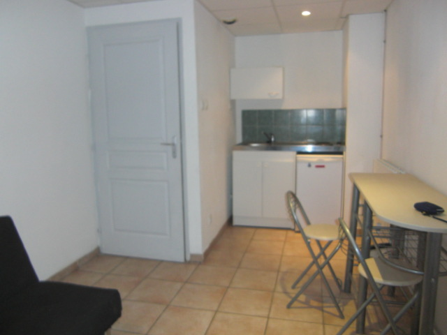 Location appartement et maison meubl es marseille 13011 imed for Garage 13011 marseille